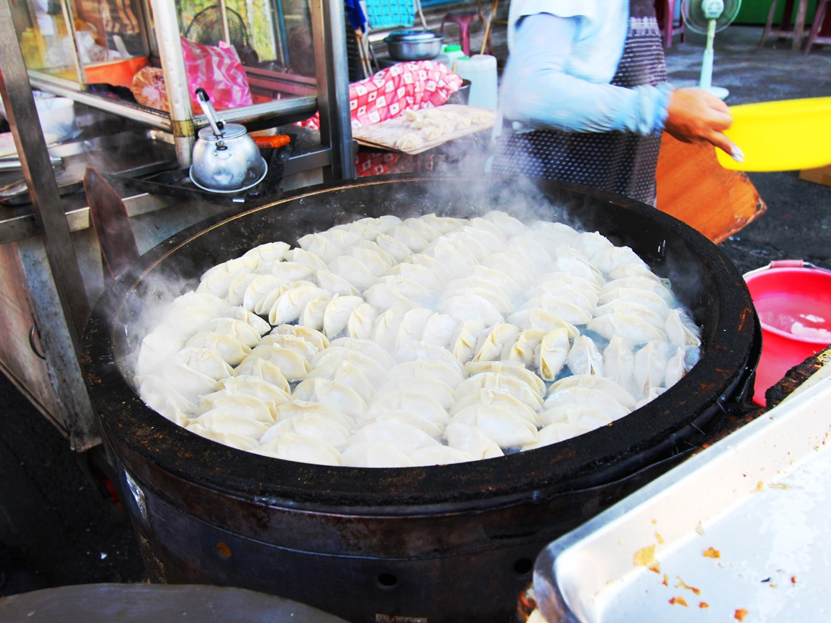 大灣煎餃-起鍋
